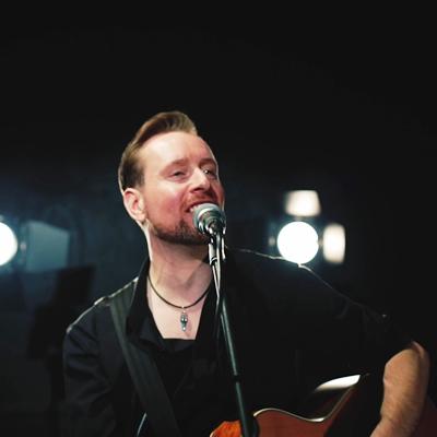 Phil Short Acoustic photo 3
