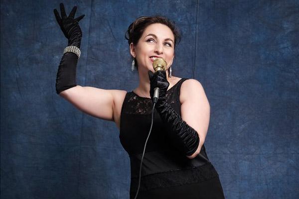 joanna-lee-singer-600x400-3